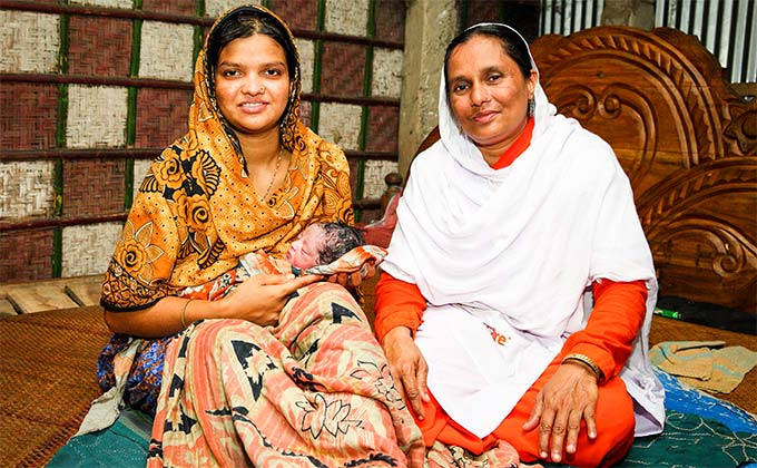 Community health worker mother and child